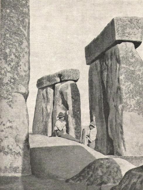 stonehenge-circa-19231