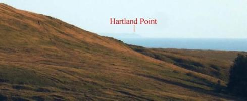 3.  Hartland Point remains clearly visible. The orientation of the alignment relative to slope on Bancbryn and the blocking effect of Tor Clawdd ensures that the focussed view to Hartland Point is maintained.
