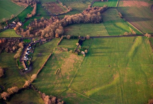 Marden Henge photographed on 06-DEC-2006. © Historic England